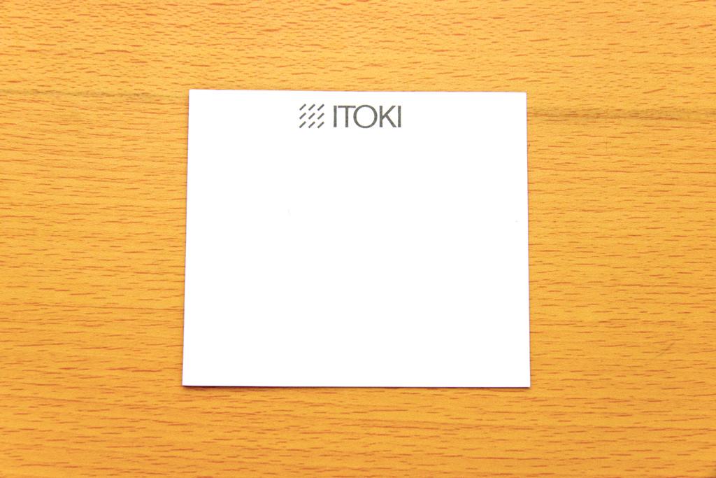 ワンポイントのITOKIのロゴ入りメモ帳